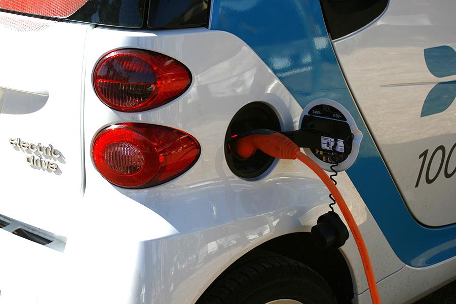 Elektrische Wagens In Opmars Dankzij Premie Vlaamse Overheid