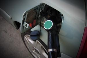 Noorwegen bant vanaf 2025 alle benzine- en dieselwagens