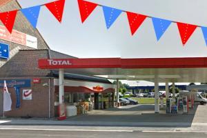 Feest bij Kortrijks tankstation Total